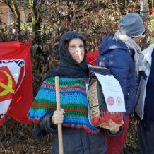 La Befana Comunista ha portato il carbone a Villa Margherita